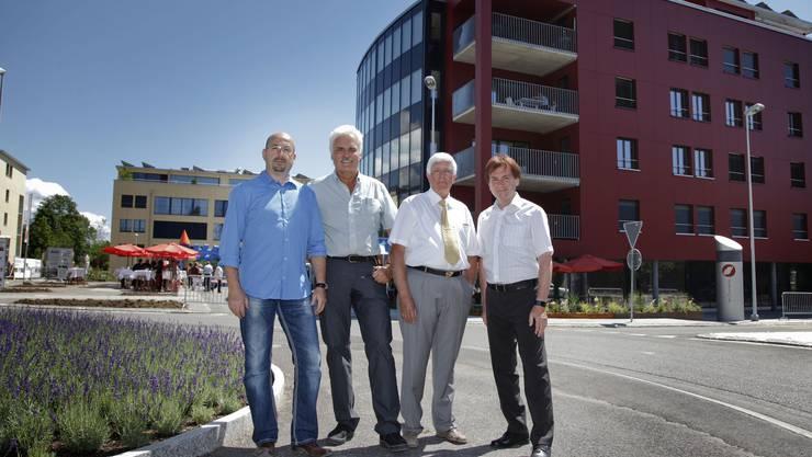 v.l. Filippo Melena, Frank Schneider, Rolf Dysli, Hubert Bläsi vor der Überbauung am Girardplatz