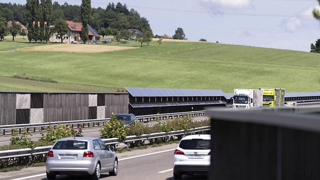 Bundesrat will Solaranlagen an Autobahnen und Bahnlinien ausbauen