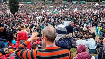 In Rom demonstrieren am «Family Day» Zehntausende gegen mehr Rechte für Homosexuelle.