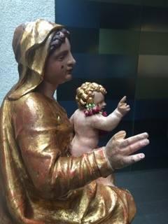 Die Madonna bekommt neue Finger