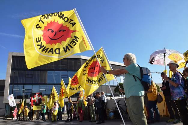 Mit der 1111 Mahnwache wird an die Katastrophe von Fukushima erinnert