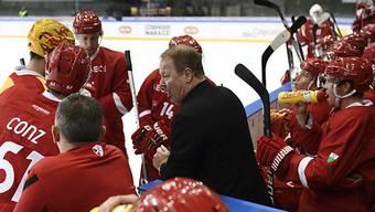 Lausanne-Trainer John Van Boxmeer gibt Anweisungen.