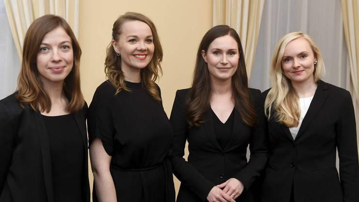 Sie haben in Finnland das Sagen: (v.l.n.r.) Bildungsministerin Li Andersson (32), Finanzministerin Katri Kulmuni (32), Premierministerin Sanna Marin (34) und Innenministerin Maria Ohisalo (34). Die fünfte Parteichefin in der Regierungskoalition ist die 55-jährige Anna-Maja Henriksson.