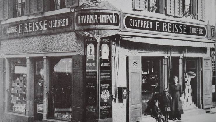 1922 war der Geschäftseingang im Jugendstil gestaltet.