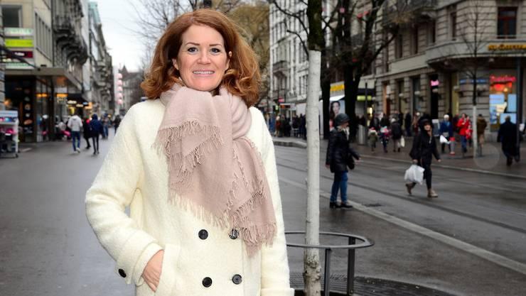 Susanne Brunner an der Zürcher Bahnhofstrasse: Sie lobbyiert für die Wirtschaftsinteressen.