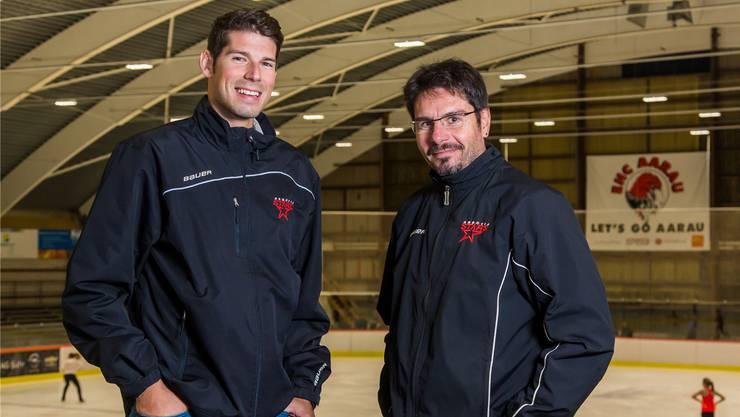 Eric Wittwer (links) und Andy Wehrli wollen mit ihrer jungen Eishockey-Mannschaft die Playoffs erreichen. fab