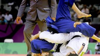 Juliane Robra (in blau) im EM-Viertelfinal gegen Laura Vargas Koch