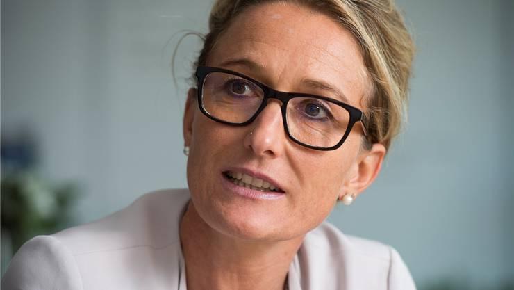 Die Gemeinden bleiben auf Mehrkosten für Sozialhilfebezüger sitzen und machen dafür das Departement von Susanne Hochuli verantwortlich.