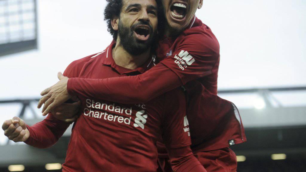 Die späte Erlösung in Anfield: Mohamed Salah und Roberto Firmino jubeln über das 2:1 von Liverpool gegen Tottenham Hotspur