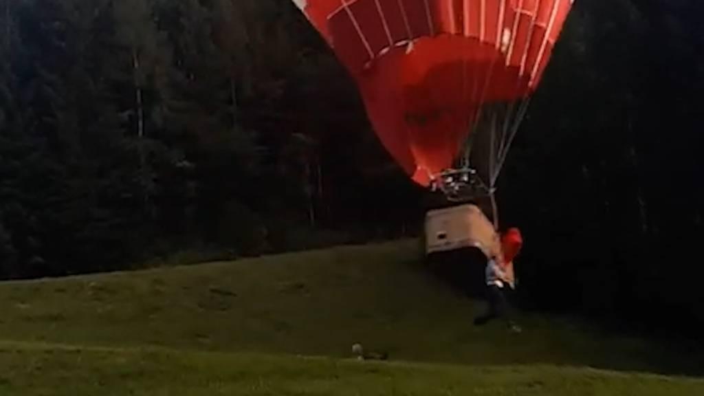 Schweizer Pilot und Passagier stürzen aus Heissluftballon