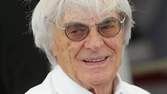 Formel-1-Boss Bernie Ecclestone lächelt in die Kamera