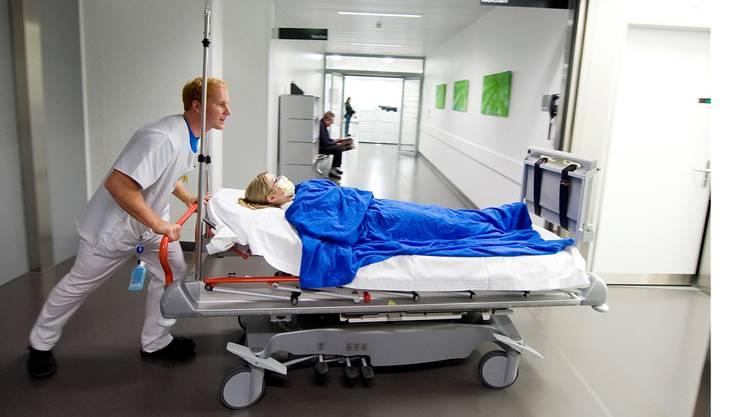 Verschoben und verschaukelt: Manche Ärzte kassieren Provisionen für die Spitalzuweisung ihrer Patienten. (Symbolbild)