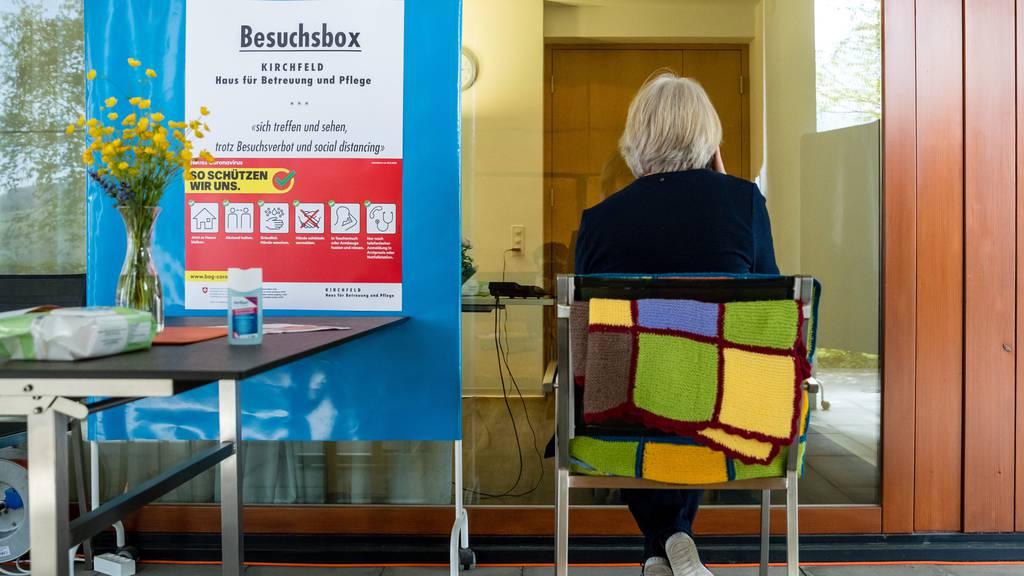 Experten fordern besseren Schutz in Alters- und Pflegeheimen