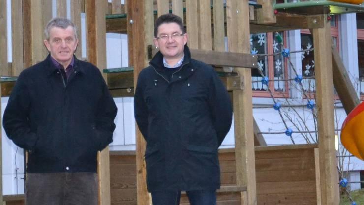 Stehen für das Vorhaben ein: Gemeindepräsident Bruno Born (links) und Bauvorsteher Thomas Altermatt. rfa