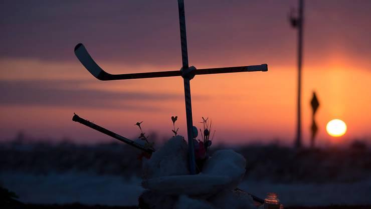 Ganz Kanada trauert um die Todesopfer des Eishockey-Teams, die bei einem schweren Busunglück ums Leben gekommen waren.