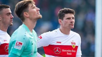 Zuletzt liefs nicht mehr wie gewünscht: Stuttgarts Goalie Gregor Kobel (li.) mit Altstar Mario Gomez