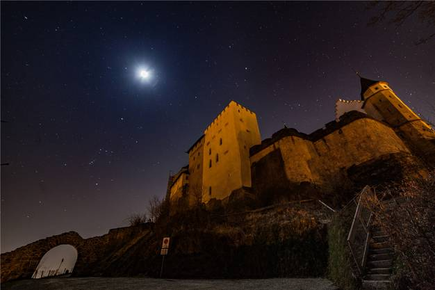 Schloss Lenzburg in der Nacht – ohne Scheinwerferlicht