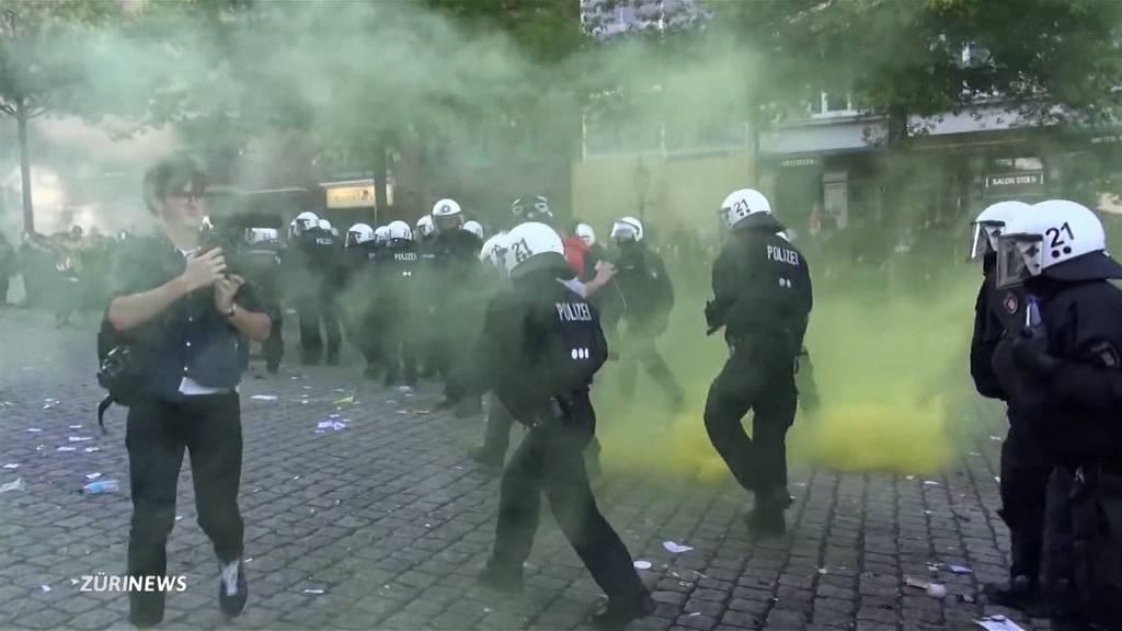 Keine Beweise: Bezirksgericht Zürich spricht Antifa-Demonstrant frei