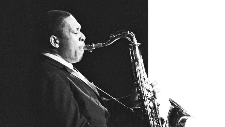 Both Directions at Once. Das Jahr 1963 war für John Coltrane (hier im Olympia in Paris) wegweisend.