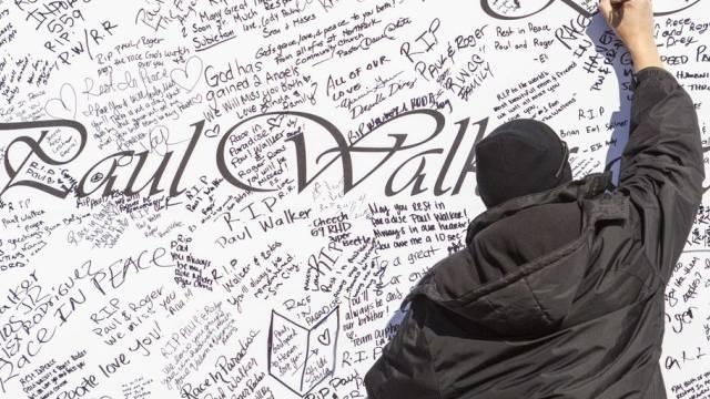 Fan trauert um Paul Walker (Archiv)
