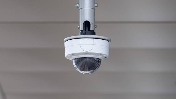Die Schulpflege habe das öffentliche und private Interesse sorgfältig abgewogen und sich dazu entschieden, bei der Schulanlage Brüelmatt Videoanlagen zu installieren.