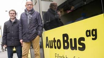 AAGL-Geschäftsführer Roman Stingelin (links) und Verwaltungsratspräsident Christian Haidlauf können sich nach stürmischen Zeiten wieder freuen: Die Autobus AG erhält Bestnoten. (Archivbild)