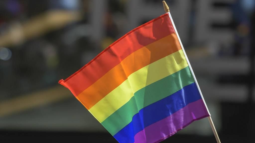 Ungarns Parlament hat am Dienstag mit den Stimmen der rechtsnationalen Regierungsmehrheit ein Gesetz beschlossen, das die Rechte von Trans-Personen und intersexuellen Menschen drastisch einschränkt.