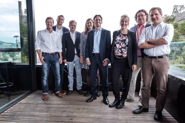 Gruppenbild des kleinen Badenfahrtkomitees (von links): Andi Schaerer, Oliver Eglin, Lenz Höchli, Sandra Kohler, Adi Hirzel (Präsident), Eliane Zgraggen, Jürg Braga und Lukas Urech.