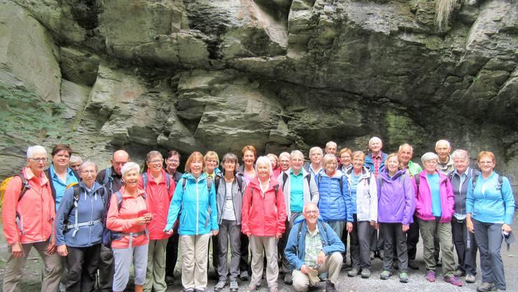 Gruppenfoto beim Eingang zur Taminaschlucht