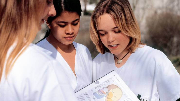 Einzig im Gesundheitswesen sind praktisch alle Lehrstellen vergeben. In allen anderen Branchen gibt es noch Ausbildungsplätze