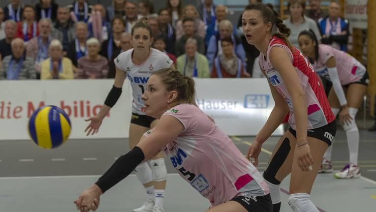 Die Volleyballerinnen von Sm'Aesch Pfeffingen liessen Genève Volley keine Chance. (Archivbild)