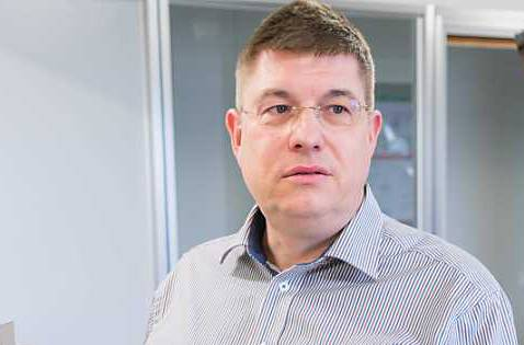 Rolf Vogt, Professor für drahtlose Telekommunikation an der Berner Fachhochschule will Vorurteile gegen 5G korrigieren.