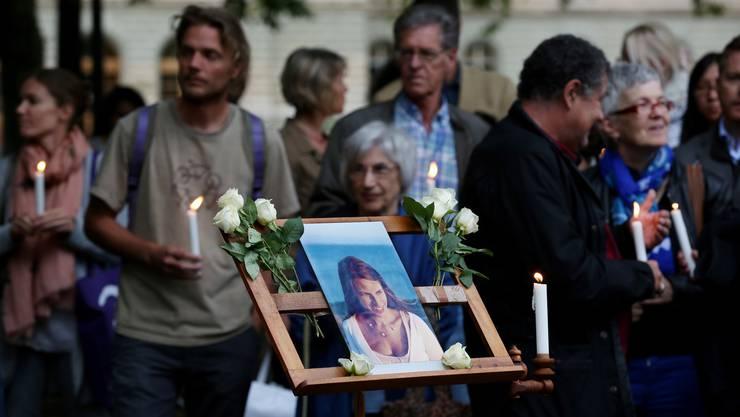 Gedenkfeier für die getötete Sozialtherapeutin Adeline M. im Parc des Bastions in Genf. (September 2015)