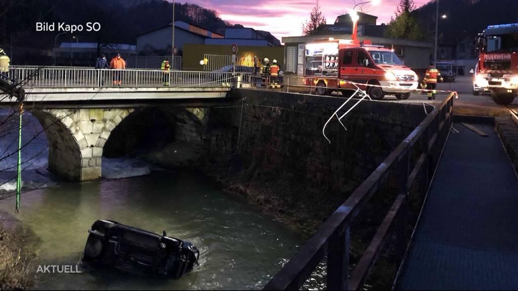 Balsthal: Auto landet nach Selbstunfall in Fluss
