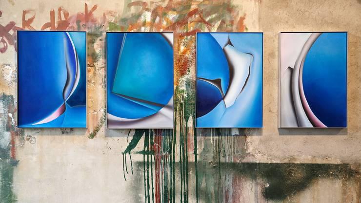 «Primeart» in der Alten Brennerei in Unterramsern zeigt Werke von drei Künstlern. Patrick Kaufmann malt in Blautönen.