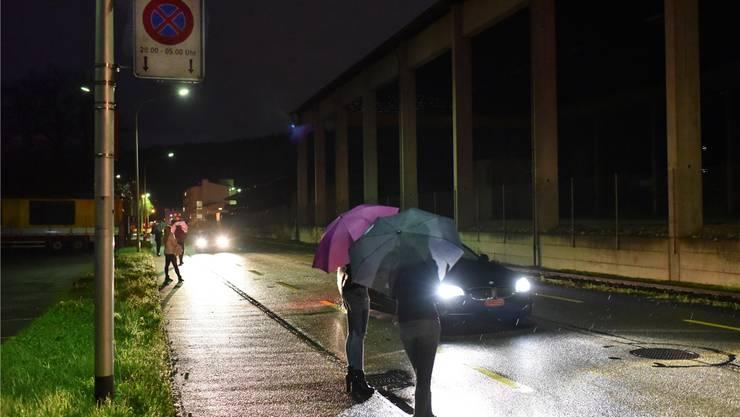 Der Strassenstrich an der Haslistrasse im Oltner Industriegebiet, wie er sich des Nachts präsentiert. Bruno Kissling/Archiv