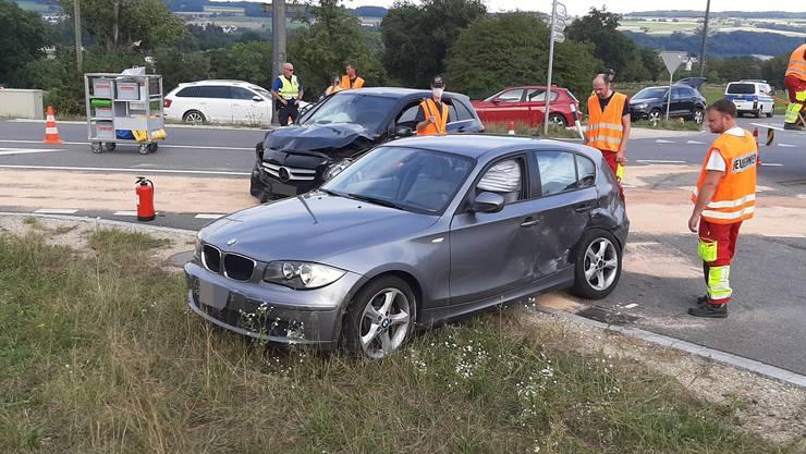 An beiden Autos entstand Totalschaden.