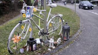 Das «Geisterrad» in Liestal erinnert an die vor fünf Jahren hier tödlich verunfallte Velofahrerin.