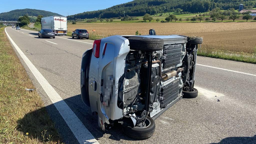 Bei dem Unfall überschlug sich der Mitsubishi.