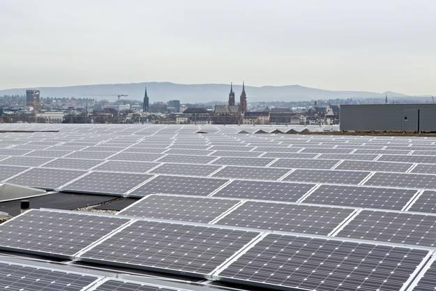 Kurz vor Weihnachten 2013 ging auf dem Messe-Neubau die Photovoltaikanlage der Allschwiler Suninvest mit 1200 Kilowatt Peak in Betrieb. Mit einer Fläche von 12'000 Quadratmetern wird eine Jahresproduktion 1'080'000 Kilowattstunden erwartet. Projektentwickler und vorläufiger Investor ist die Allschwiler Suninvest. Der endgültige Eigentümer ist noch nicht bekannt.