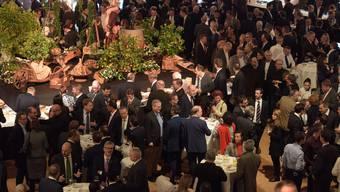 Es braucht Stehvermögen in der ersten Januarwoche: Hier am Neujahrsempfang des Gewerbeverbandes Basel-Stadt.