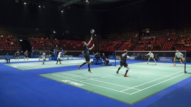 Alljährlich messen sich Badminton-Spieler aller Welt beim Swiss Open in der St. Jakobshalle in Basel.