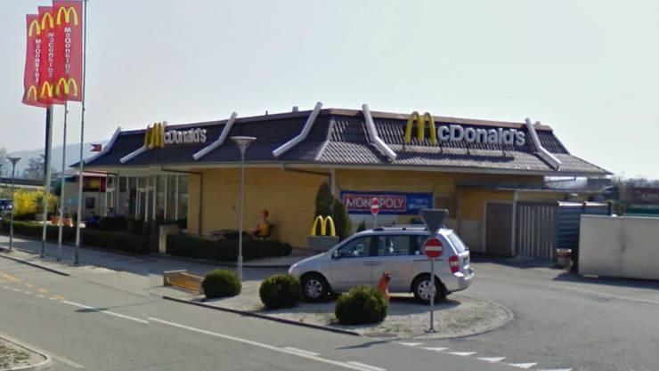 MacDonalds in Egerkingen: Auf diesem Parkplatz schoss der 45-Jährige auf den Mann.
