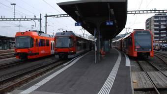 Züge des Regionalverkehrs Bern-Solothurn am Bahnhof Solothurn.