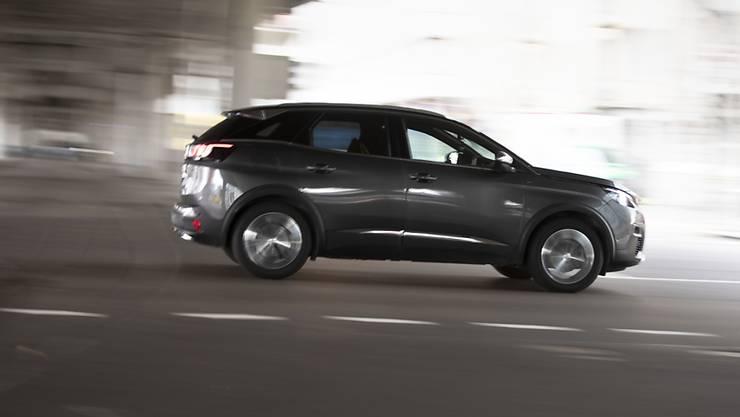 Der französische Autokonzern PSA mit Marken wie Peugeot, Citroen oder Opel hat im dritten Quartal vor allem mit dem Verkauf von SUV-Modellen gepunktet.(Archivbild)