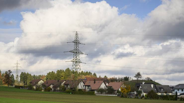 Kanton fordert, dass die Starkstromleitung Niederwil-Obfelden komplett unter den Boden kommt.