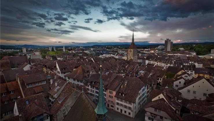Die Wikipedia-Artikel zu den Aargauer Städten widmen sich stark der Geschichte und Kultur. In Aarau steht die Altstadt im Zentrum.