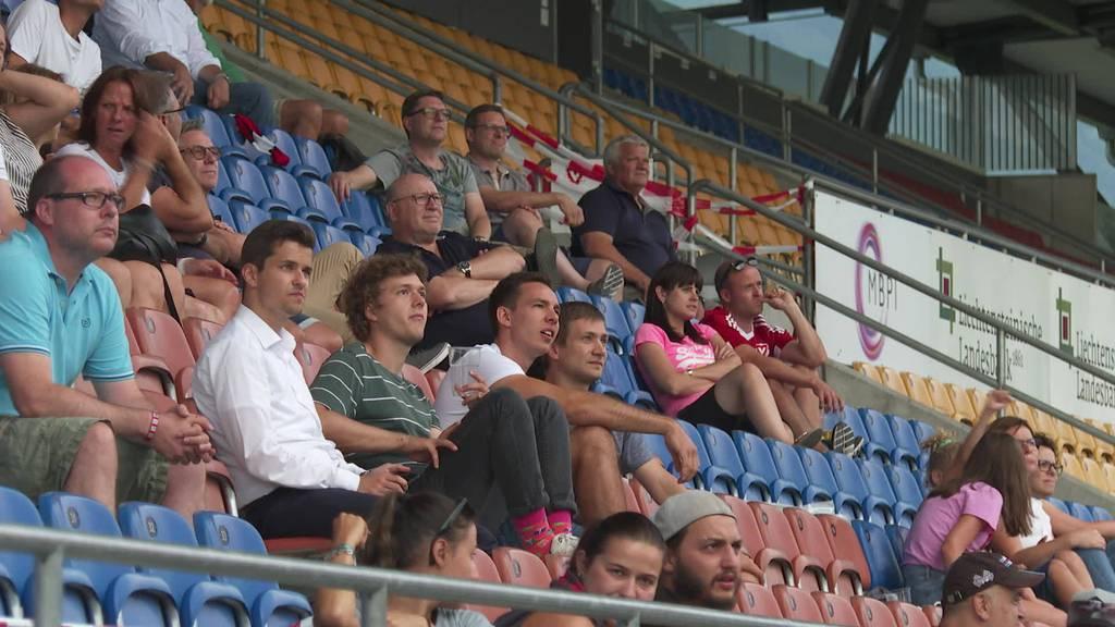 Grosse Euphorie: Fans feiern FC Vaduz im Public Viewing