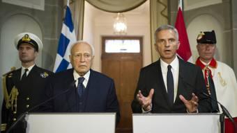 Bundespräsident Burkhalter (rechts) mit dem Gast aus Griechenland