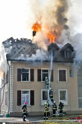 Das Restaurant Bahnhof brennt am 13.Februar 2011